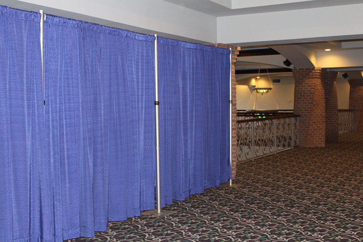 Banjo Royal Drape 8' Tall-Multiple Sections